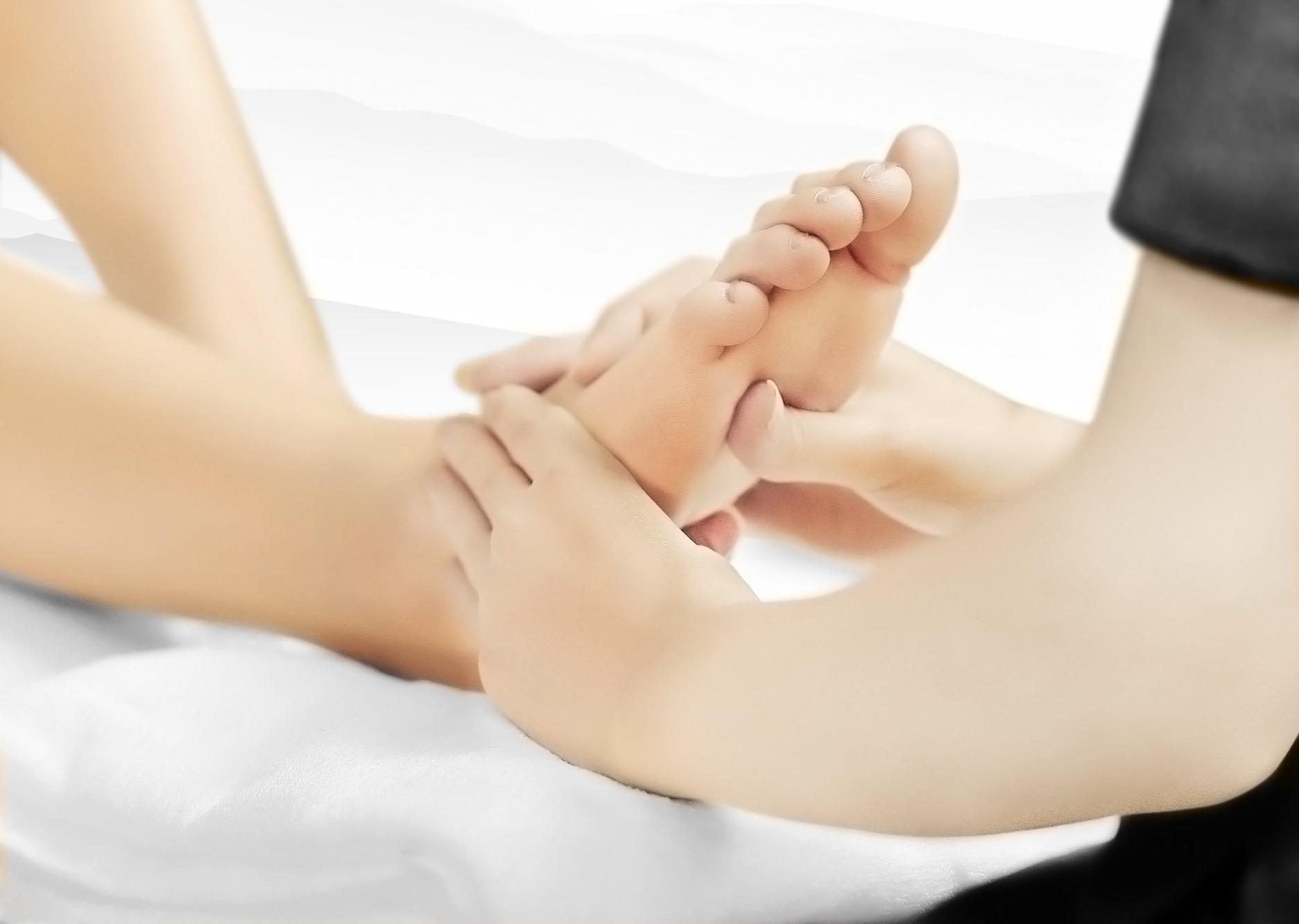 NING_Brand_Image_foot_massage